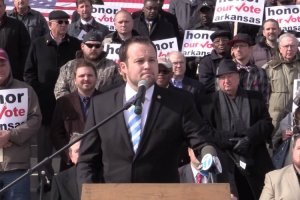 Josh-Duggar-Arkansas-Rally